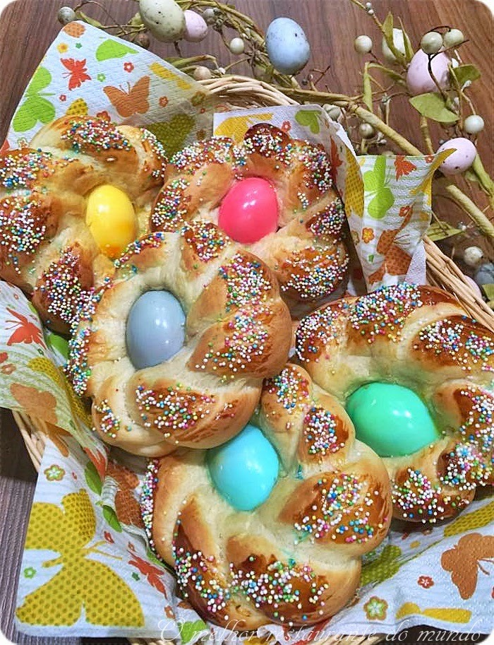 Pão de Páscoa com Ovos Coloridos (Easter Bread)