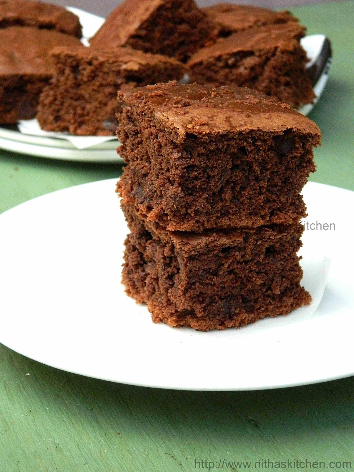 Eggless Moist Chocolate Brownies | Classic Chocolate Chip Brownies | Yogurt Based Brownie Recipe