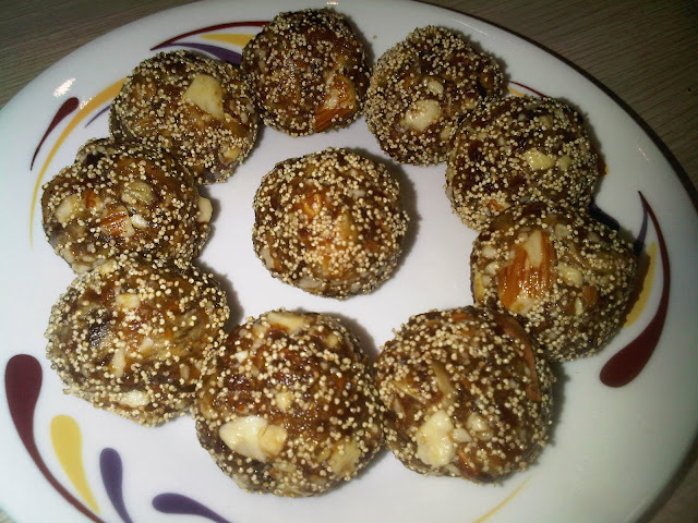 Dates Laddus