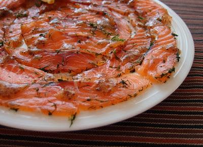 Gravlax alebo jednoducho marinovaný losos s horčicovým dresingom podľa Marcela Ihnačáka (zážitok na celý život)