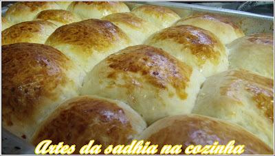 Pão de leite recheado com calabresa e queijos