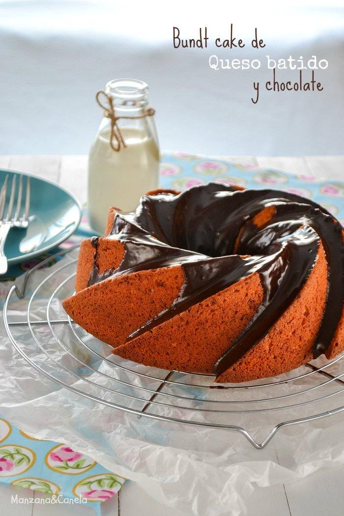 Bundt cake de queso fresco batido y chocolate