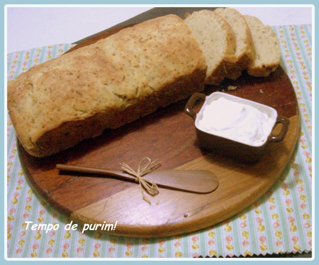 Pão caseiro de iogurte com ervas