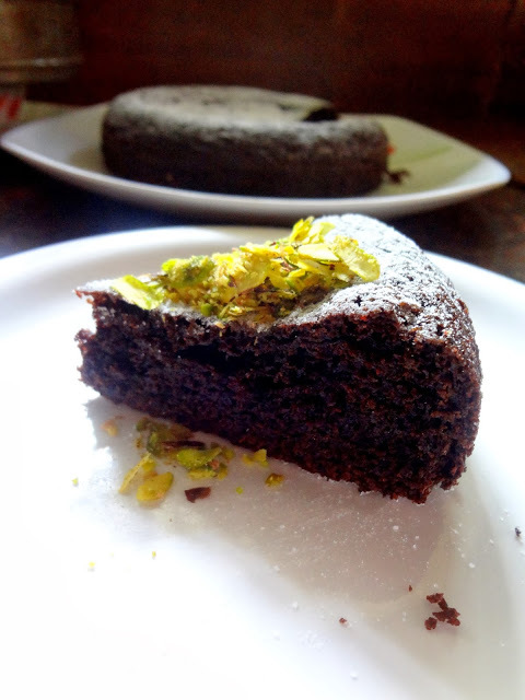 eggless cake in cooker by sanjeev kapoor