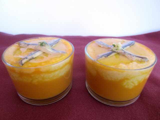 Crema de dos colors (mongetes i pastanaga) amb seitó marinat