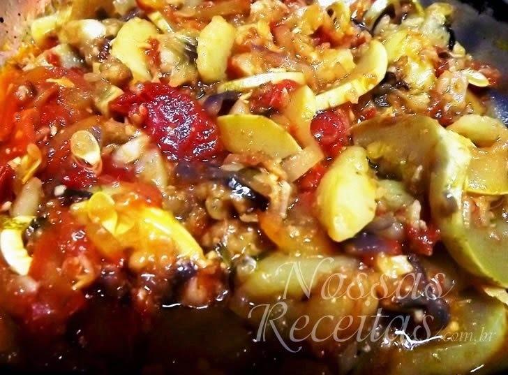 Abobrinha refogada com tomate seco
