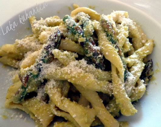 Tjestenina u umaku od šparoga :: Pasta in asparagus sauce