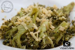 de brocolis na manteiga com alho