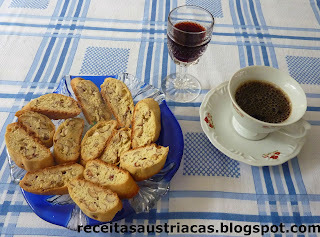 BISCOITO ITALIANO DE AMÊNDOAS - Cantuccini