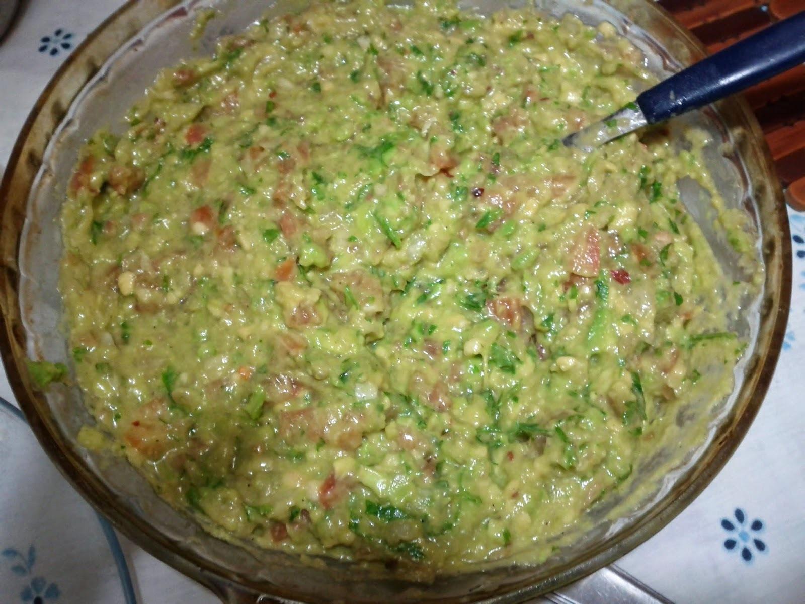 Fazendo Guacamole em casa... É o Prato Do Dia!