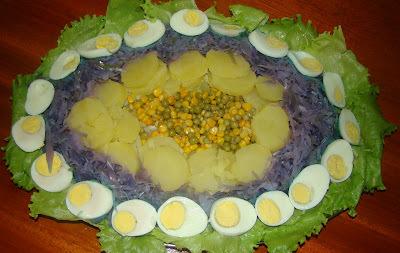 salada de verduras e legumes cozidos e em conservas