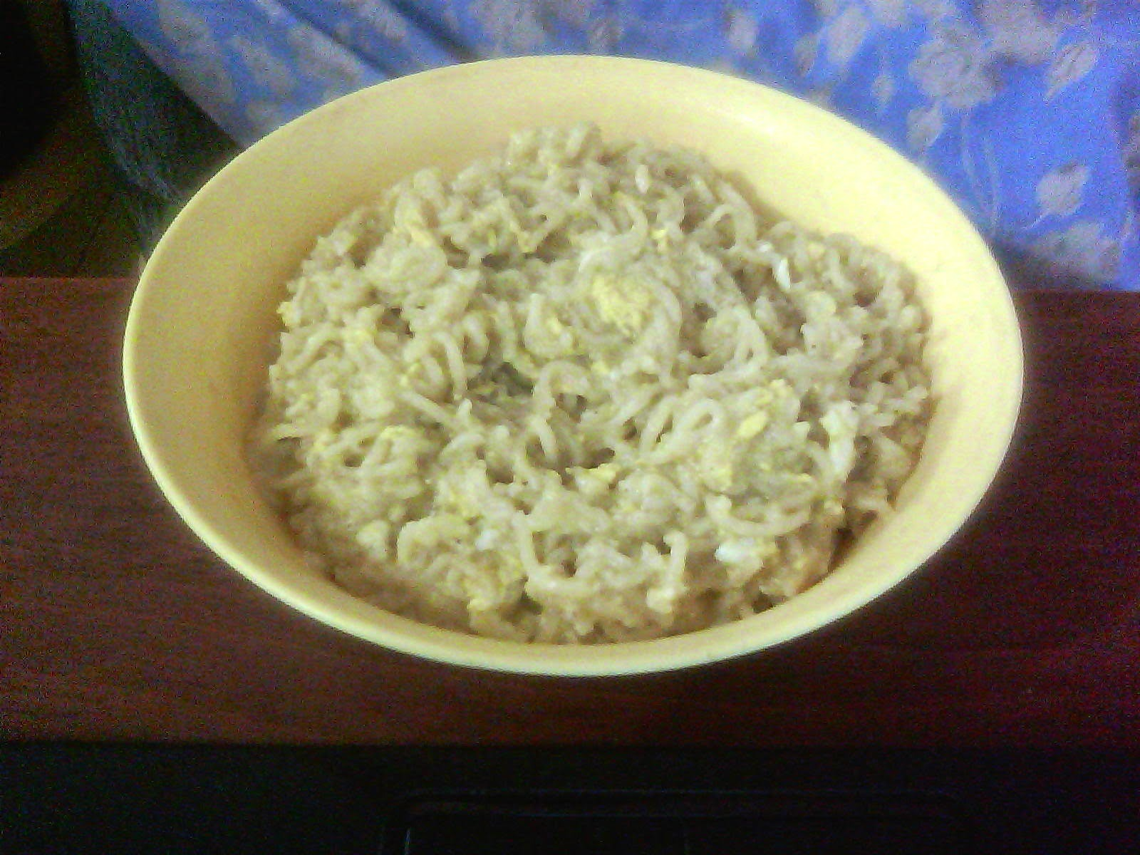 MAGGI NOODLES WITH EGG