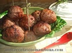 albondigas de carne para copetin en salsa