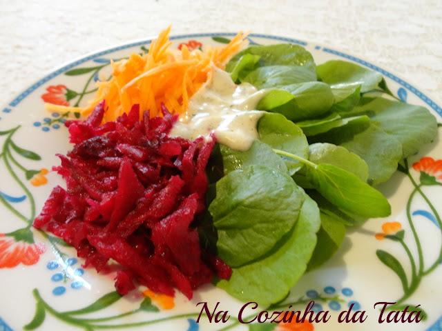 Salada de agrião, cenoura e beterraba