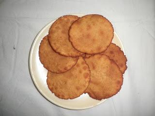 Nunea Pollelu/Bellam Appallu / Jaggery Bread Recipe