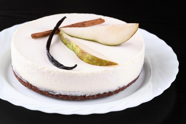 Шоколадно-грушевый торт с панна коттой / Torta de chocolate e pêra com panna cotta