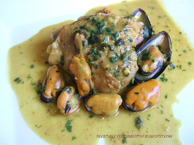 CURRY DE POLLO Y MEJILLONES