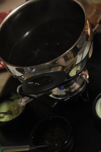 fundi de carne molho de queijo gorgonzola