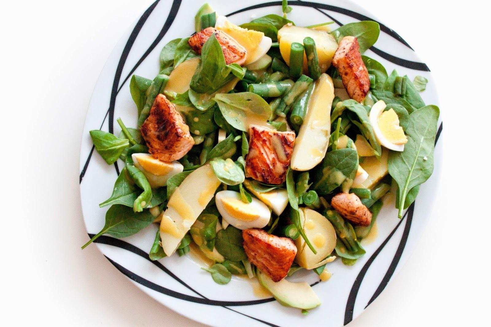 Jarní salát s lososem
