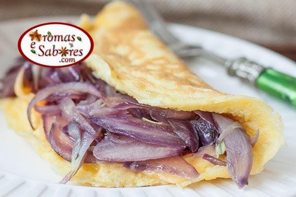 Receita de omelete com cebola roxa