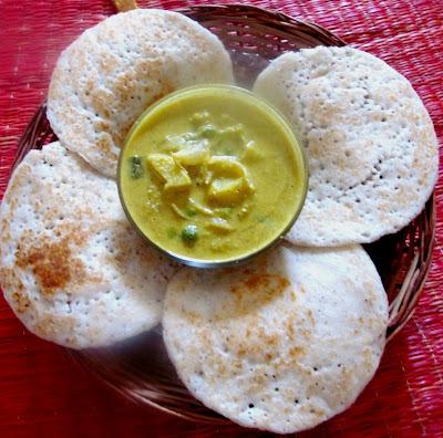 Vellayappam/ Rice coconut pancakes