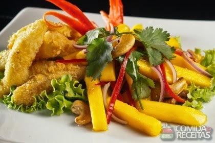 salada para servir com peixe frito