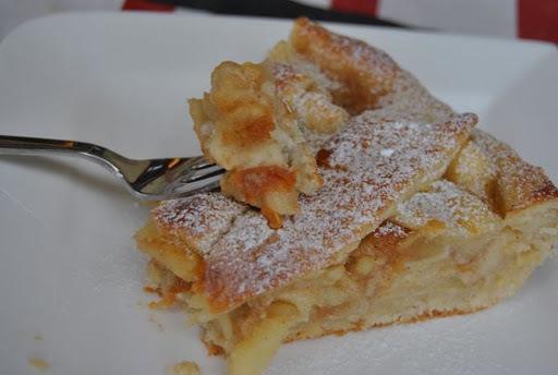 Jablkový koláč s marcipánom