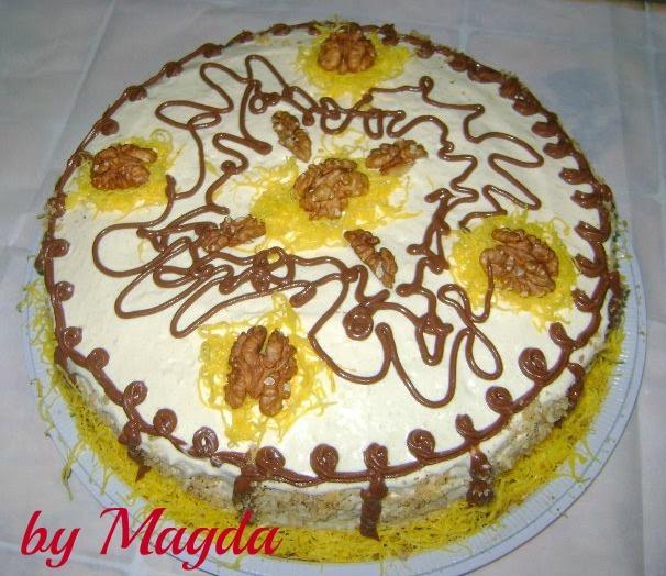cobertura de bolo feito com glaçucar e leite ninho