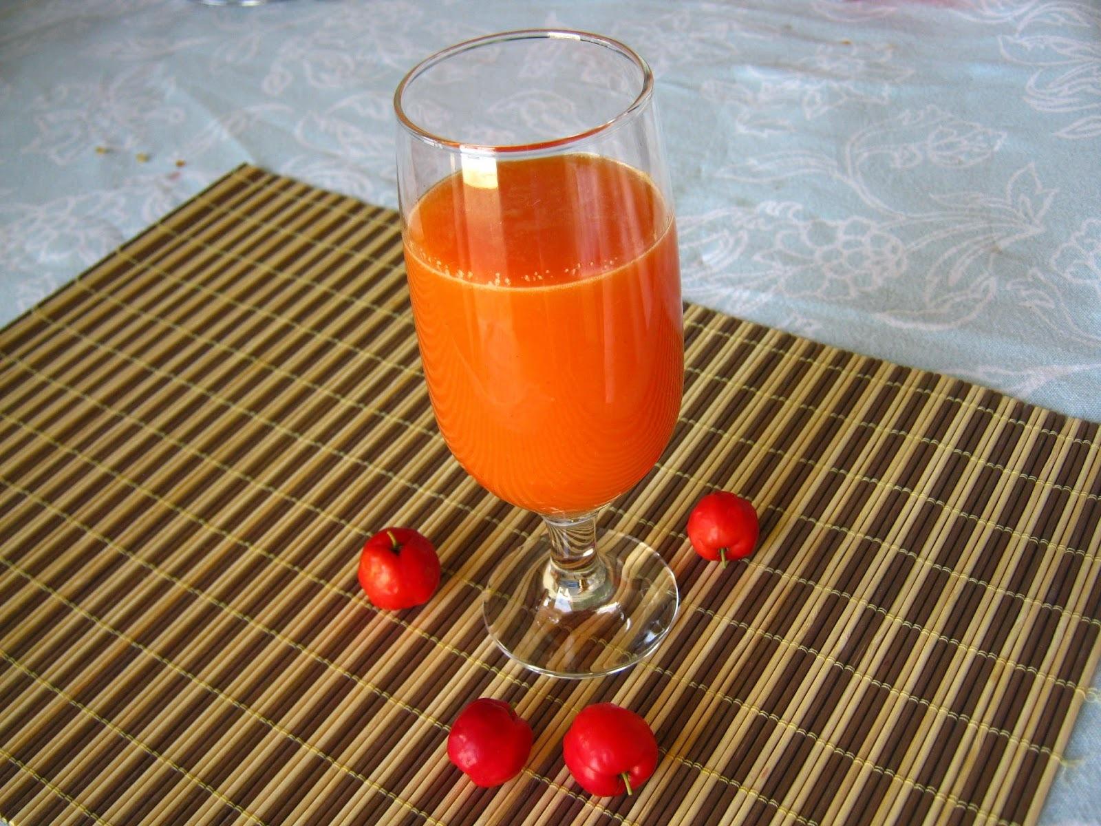 Sabor e cor de primavera: suco de laranja, acerola e morango