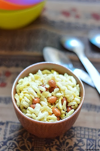 Maharashtrian style Chiwda recipe with poha(flaked rice) and murmura(puffed rice) -  Diwali snack recipes