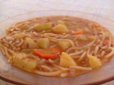 Sopa deliciosa de carne moída na pressão!