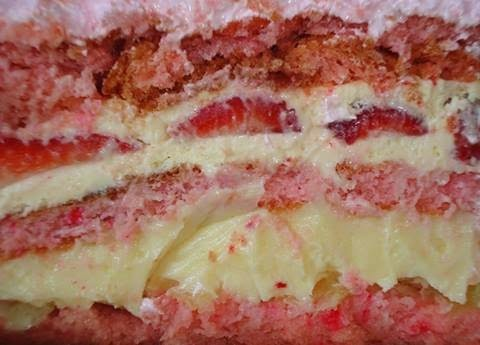 Torta Rosa com Creme Holandês - por Joanirse Ortiz