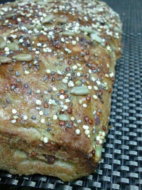 Pão multigrãos de tâmaras e castanha do pará