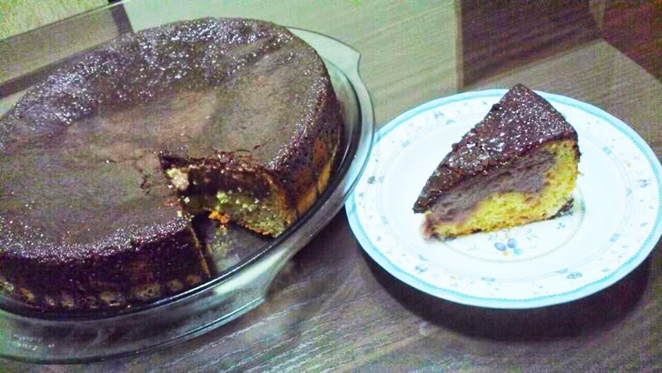 bolo de chocolate com recheio de cremogema de chocolate