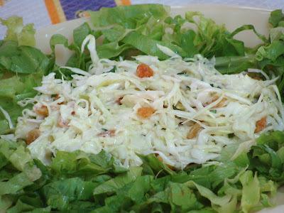 Salada de repolho com passas
