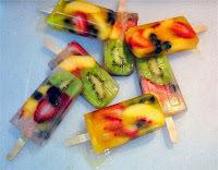Picolé de salada de frutas