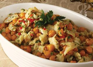 Salada de bacalhau e grão-de-bico
