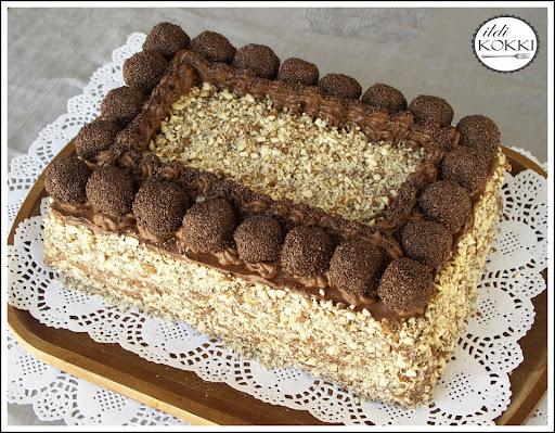 Meggyes-mandulás csokitorta