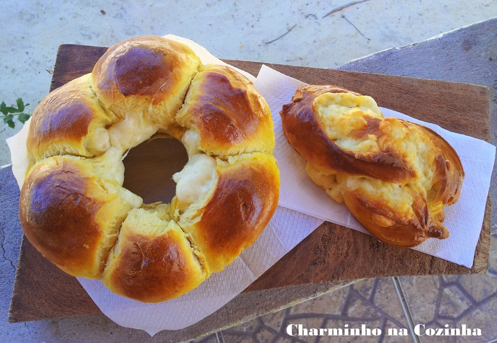 Pão recheado com queijo