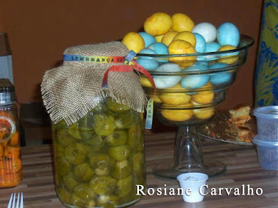 Conserva de jiló e ovo colorido