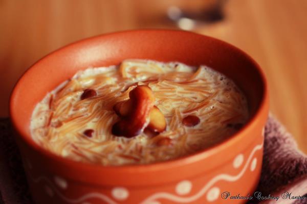 Vanilla Seviyan Kheer / Vanilla Vermicelli Pudding