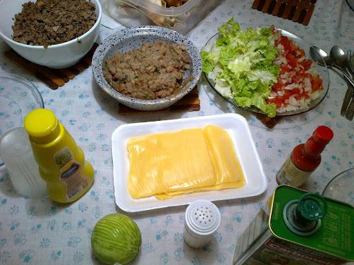 Fazendo Tacos Mexicanos em casa... É o Prato do Dia!