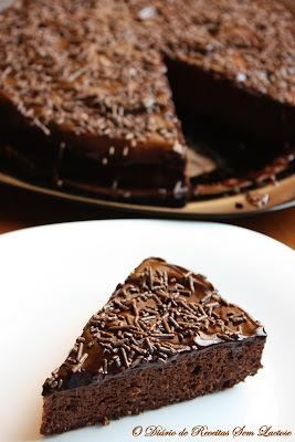 cobertura cremosa de chocolate para bolo com leite condensado