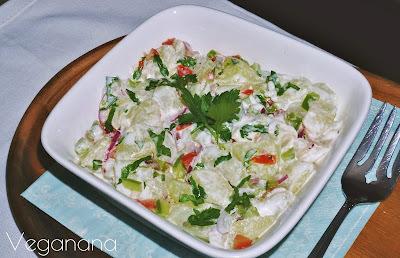Salada de chuchu com maionese vegana