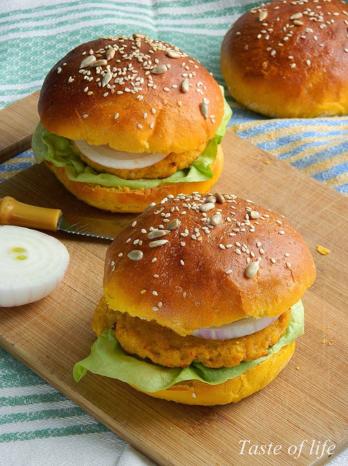 Bundevasto-pileći burgeri