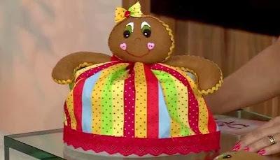 Saiba como fazer um lindo cobre bolo natalino!