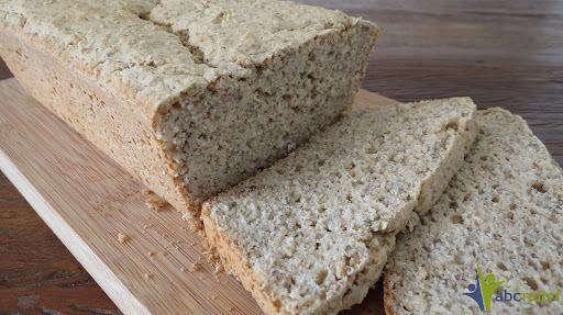Pão de inhame com grãos (sem glúten, sem lactose)