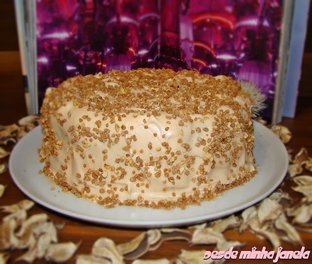 como fazer uma cobertura para bolo gostosa de maizena