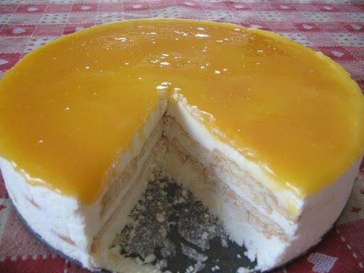 Torte Gelada de Natas e Bolacha