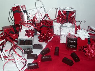 Chocolats noir fourrés pralinés maison